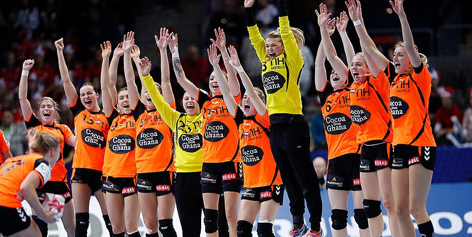 The Netherlands reached the final for the first time as they overcame Denmark ©EHF
