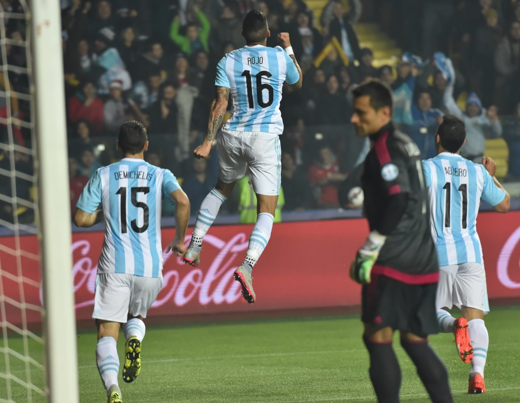 Argentina hit Paraguay for six to set up Copa América final against hosts Chile