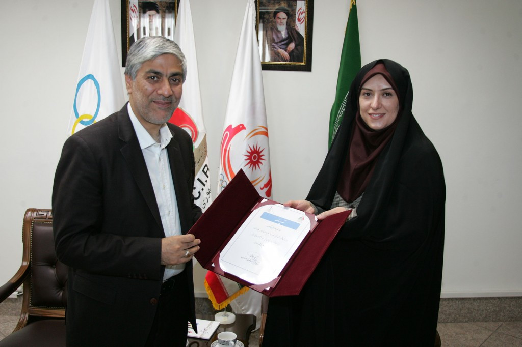 National Olympic Committee of the Islamic Republic of Iran President Kiumars Hashemi has thanked a teacher in the country for the work she has done as part of the organisation's education programme ©Iran NOC
