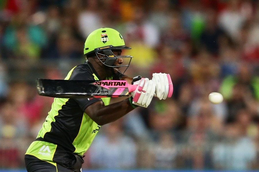 Andre Russell batting with his black and pink bat, which has been banned by Cricket Australia ©Cricket Australia