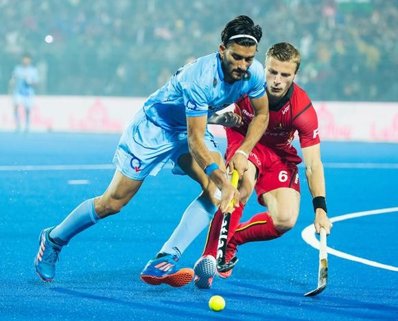 The FIH has confirmed all international matches will be held over four quarters of 15 minutes from January 1 after criticism that the change was not in place at the men's Junior Hockey World Cup ©FIH