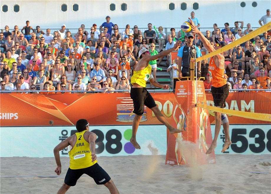 Filho claims revenge as Dutch defending champions bow out of home Beach Volleyball World Championships