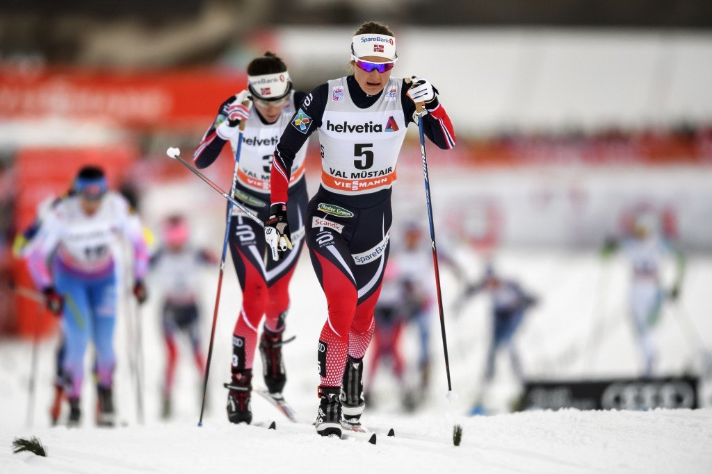 Ingvild Flugstad Østberg (right) heads towards victory on stage two in the Swiss resort ©Getty Images