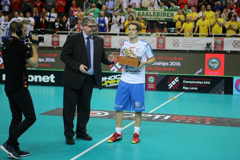 Peter Kotilainen was given the World Championship most valuable player award ©IFF