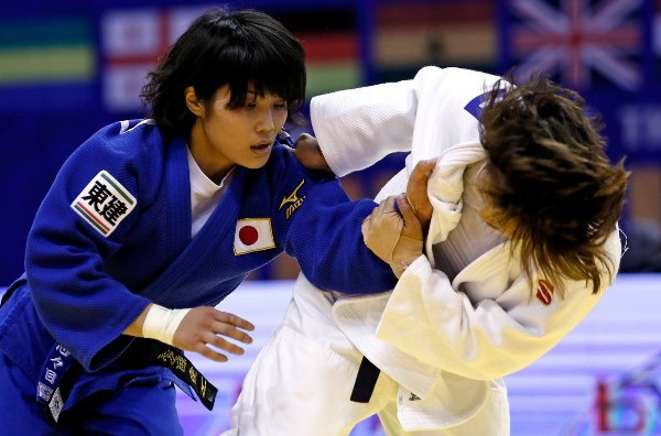 Japan's Ai Shishime denied Mongolia's Tsolmon Adiyasambuu gold in the women's under 52kg final