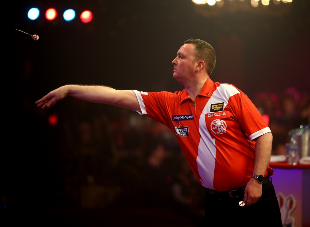 Durrant fights back to reach BDO World Championship second round