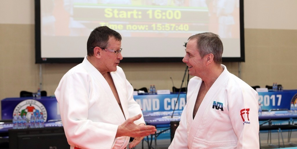 IJF Hall of Fame member Neil Adams (right) demonstrated the new rules to those in attendance ©IJF