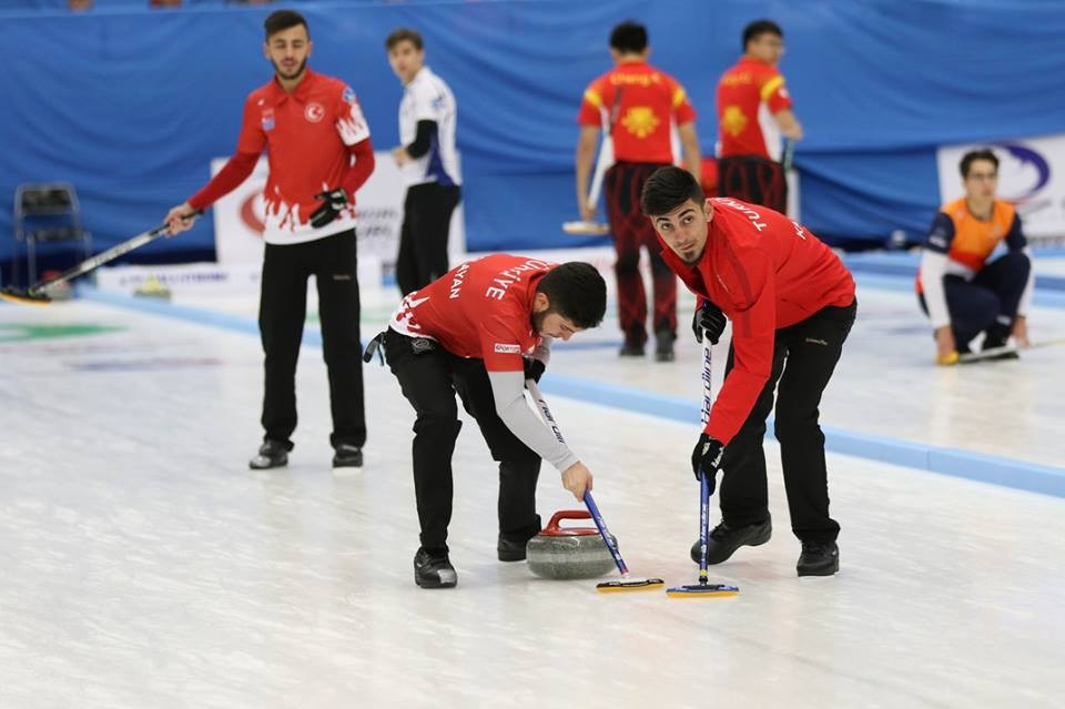 Semi-final line-up completed at World Junior-B Curling Championships