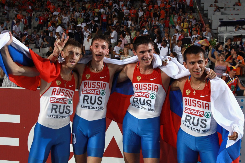 Maksim Dyldin (right) helped Russia to 4x400m relay gold at the 2010 European Championships in Barcelona ©Getty Images