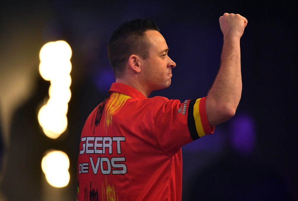 De Vos dumps out former champion Mitchell at BDO World Championship