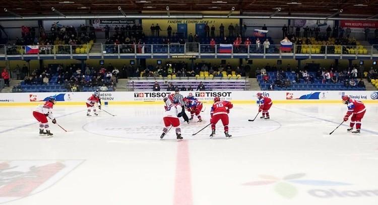Russia reach semi-finals at IIHF World Women's Under-18 Championship