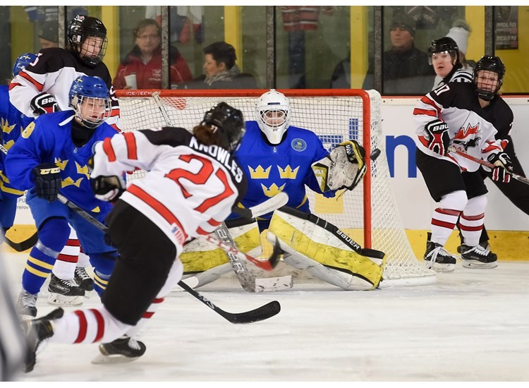 United States and Canada make IIHF Women's Under-18 World Championship final