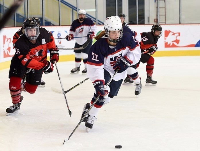 The United States defeated Canada 3-1 in the gold medal match ©IIHF
