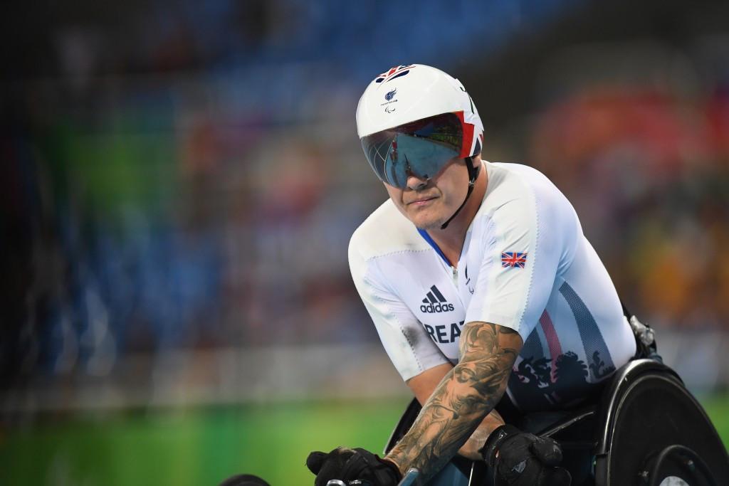 "Weir calls British Athletics a ""joke"" and announces international retirement"