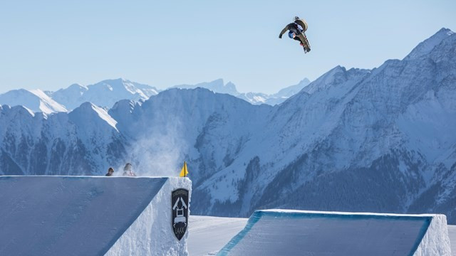Rukajärvi and Toutant qualify for finals in top spot at FIS Snowboard Slopestyle World Cup