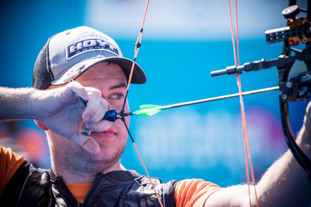 Schloesser aims to extend Indoor Archery World Cup lead in Nimes