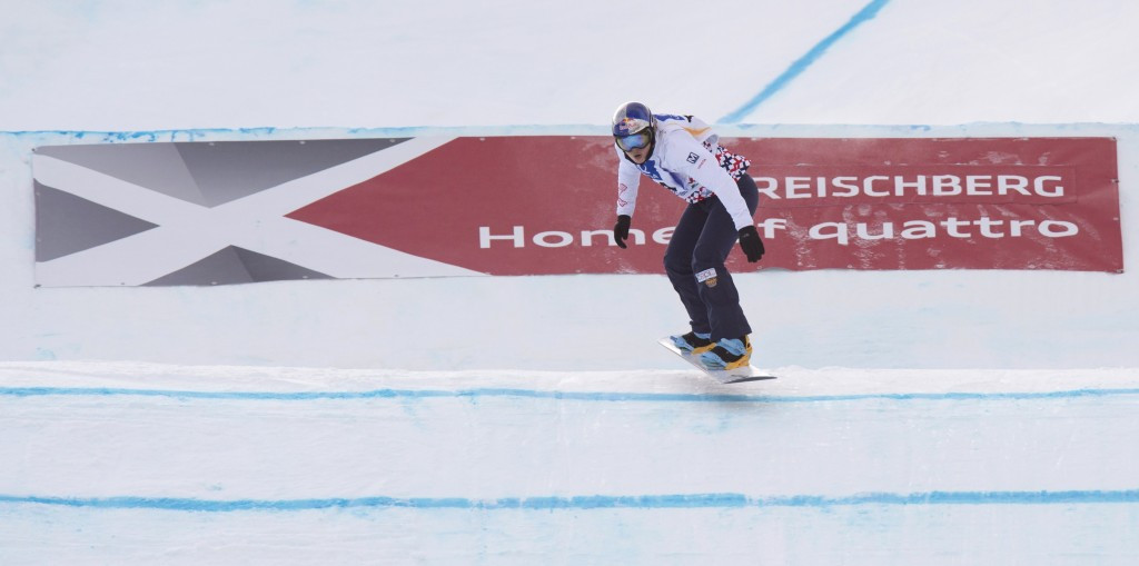Samková and Holland top qualification round at FIS Snowboard Cross World Cup