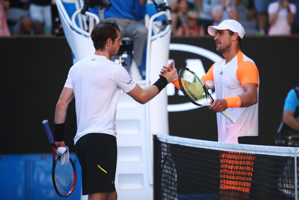 Murray crashes out of Australian Open to Zverev
