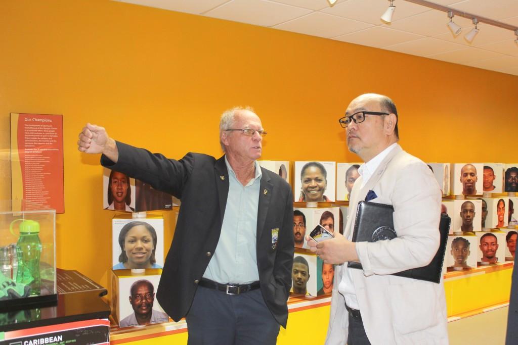 National Olympic Academy director Dave Farmer, left, was among those who welcomed Teruhiko Shinada to the BOA's headquarters ©BOA
