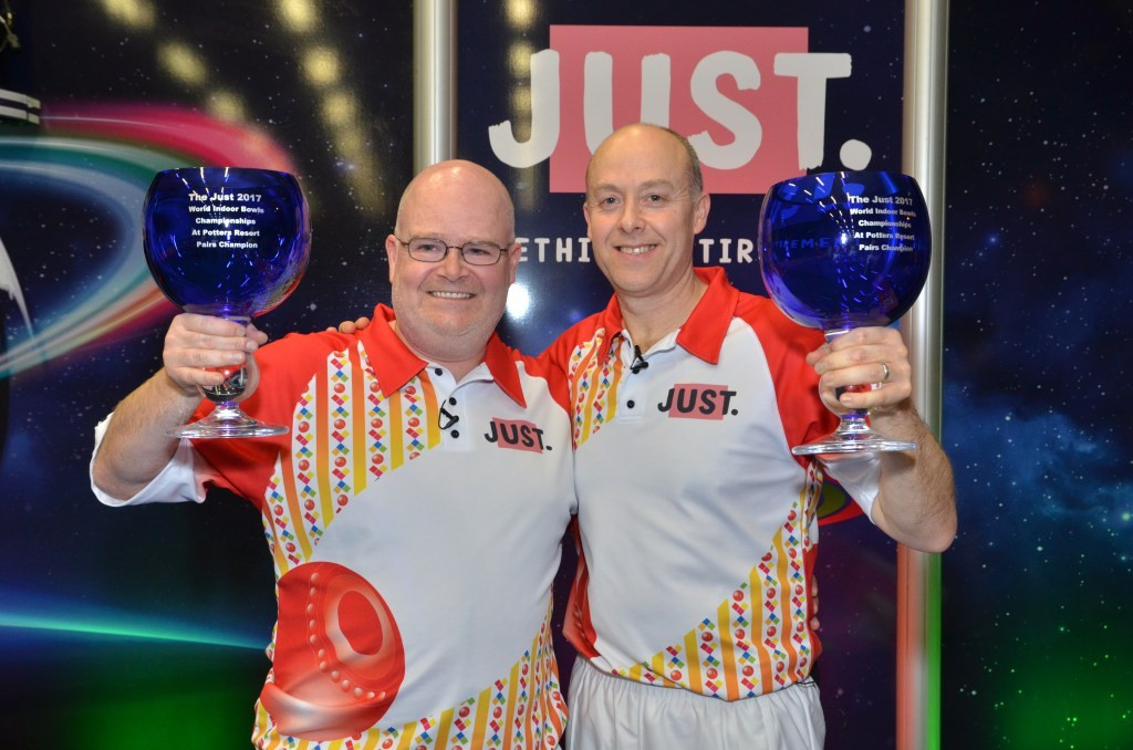 Gillett and Greenslade win pairs competition at World Indoor Bowls Championships