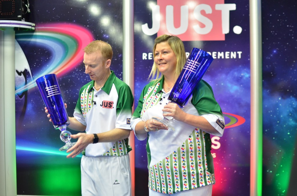 Brett and Johnston earn mixed pairs title at World Indoor Bowls Championships