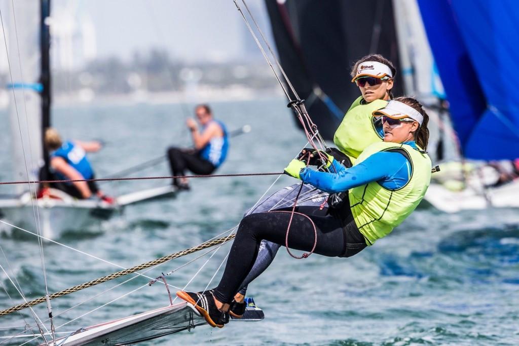 Brazilian duo close to 49erFX class win at Sailing World Cup