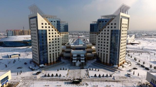 FISU secretary general and chief executive Eric Saintrond described the Athletes' Village as the best its ever had ©Almaty 2017