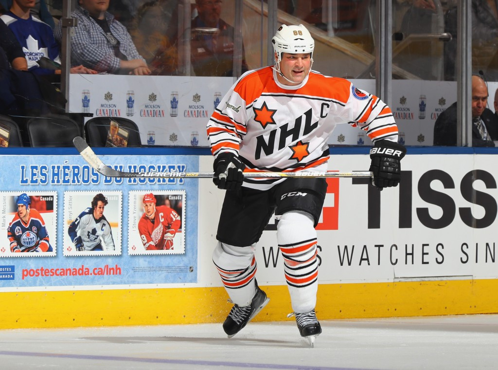 Canada's Eric Lindros, Olympic gold medallist at Salt Lake City 2002, has voiced his support for NHL players competing at Pyeongchang 2018 ©Getty Images