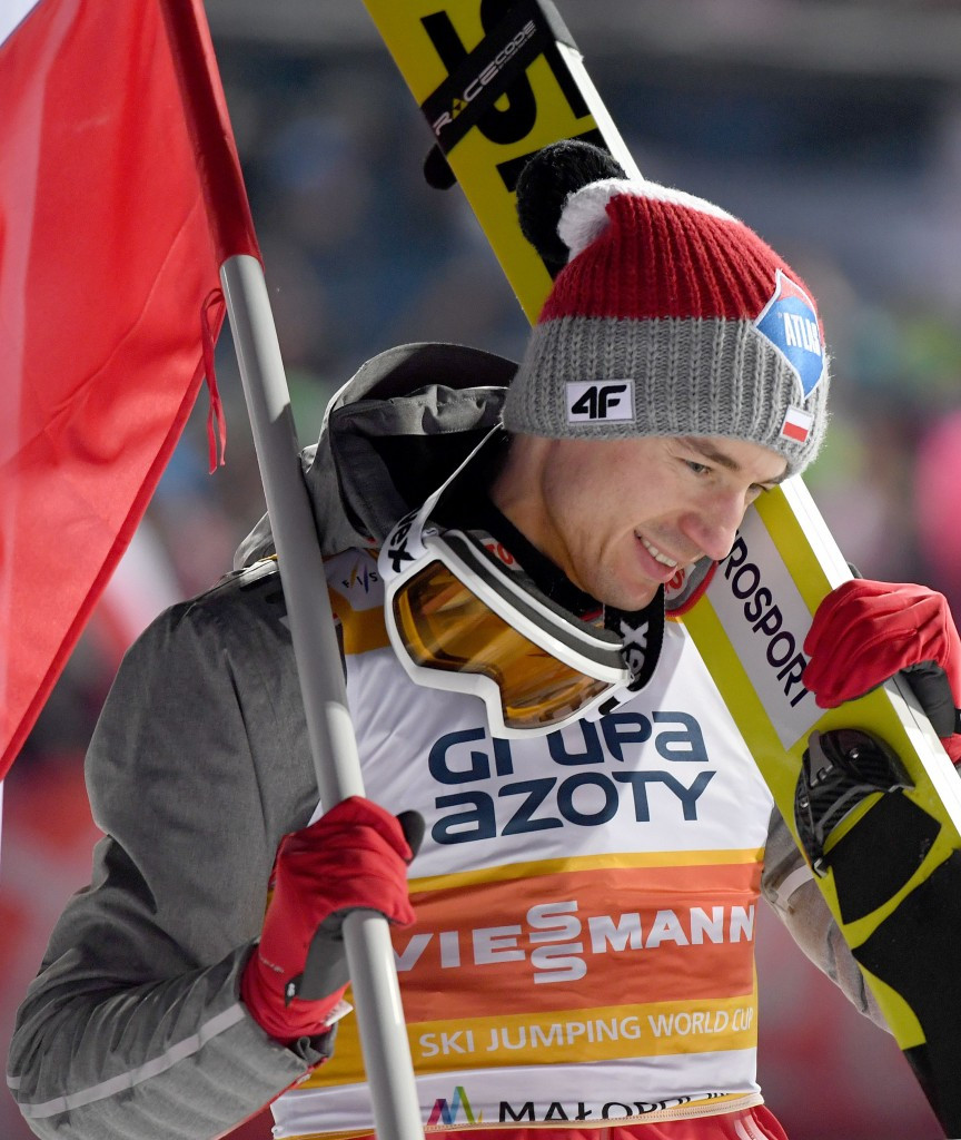 Stoch helps Poland to ski jumping team success