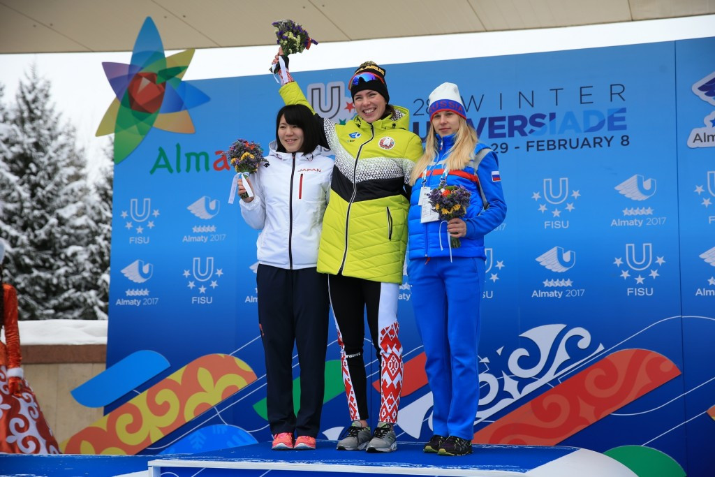 Maryna Zuyeva, centre, of Belarus won the women's 3,000 metres title today ©Almaty 2017