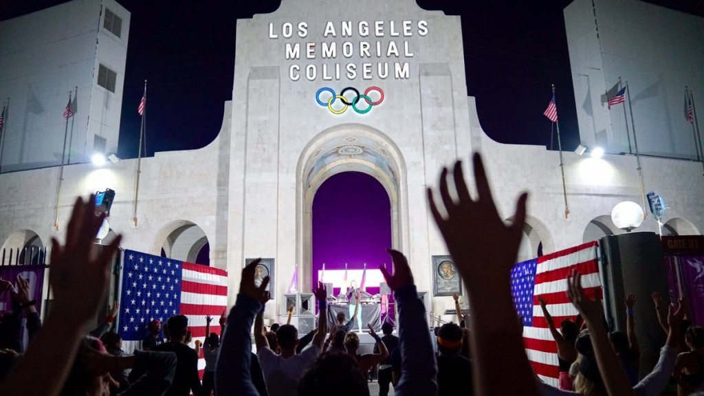 Los Angeles 2024 held a morning workout and party to celebrate the submission of their candidature file ©Los Angeles 2024