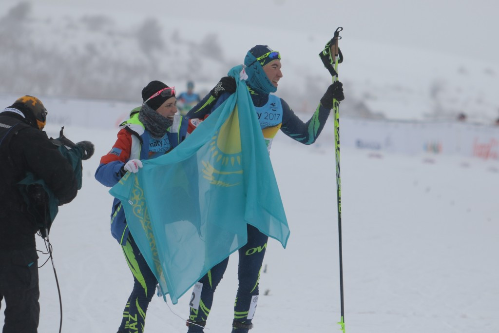 Kazakh pair win cross-country skiing mixed team sprint