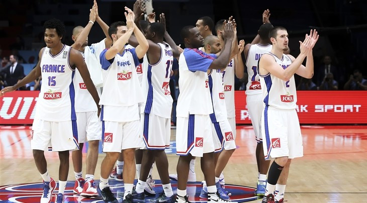 The agreement ensures French basketball fans can continue to watch their national team on television ©FIBA
