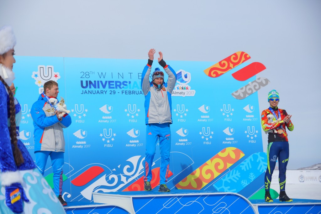 Rostovtsev snatches gold in men's 30km cross-country skiing mass start race