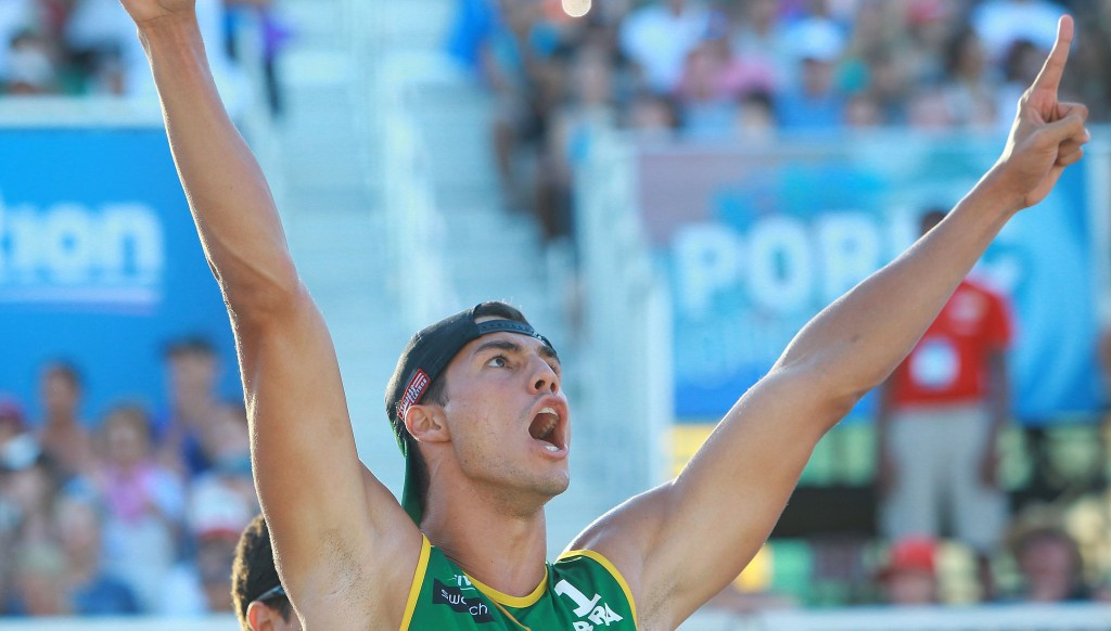 Alvaro Filho and Saymon Barbosa won an all-Brazilian final against compatriots Evandro Goncalves and Andre Loyola to secure the men's title ©FIVB