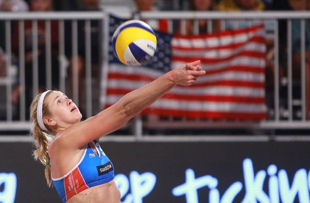 Brooke Sweat and Summer Ross of the United States reached the semi-finals of the women's tournament ©FIVB