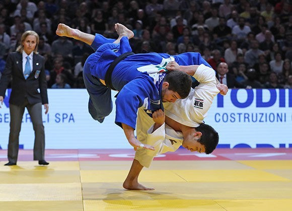 Rio 2016 Olympic bronze medallist Cyrille Maret was beaten in the final of the men's under-100kg division by Japanese teenager Kentaro IIda ©IJF