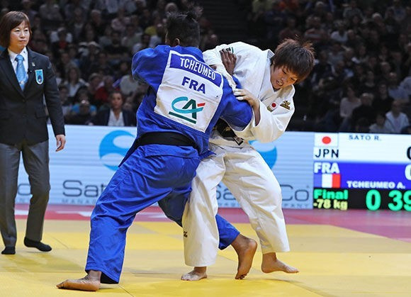 Former world champion and two-time Olympic medallist Audrey Tcheumeo delivered gold for the home nation by defeating Ruika Sato of Japan ©IJF