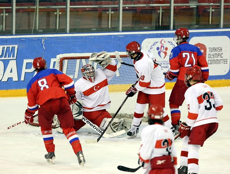 Russia thrashed the Turkish hosts in the opening men's ice hockey game ©Erzurum 2017
