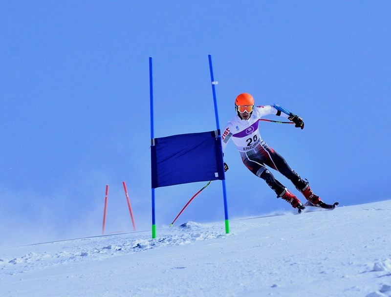 Alex Vintarez clinched Italy's first title of the event in the Turkish city as he topped the podium in the boys' giant slalom race ©EYOF