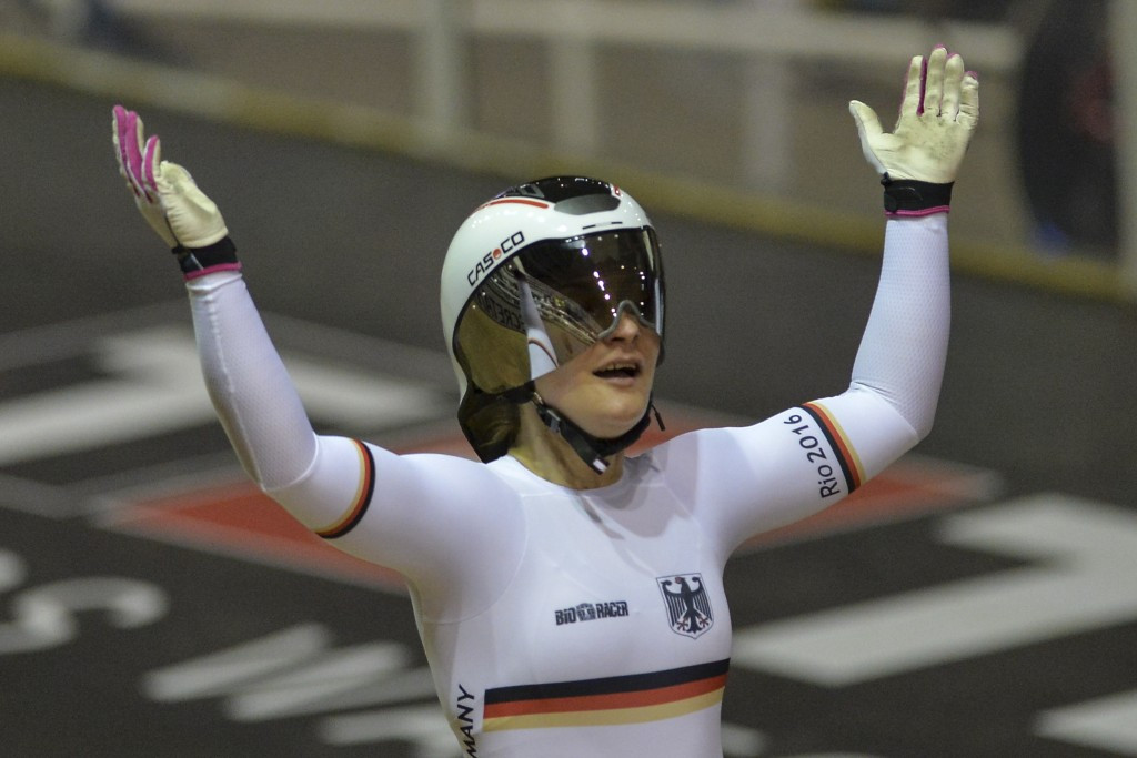 Vogel continues winning streak at UCI Track Cycling World Cup