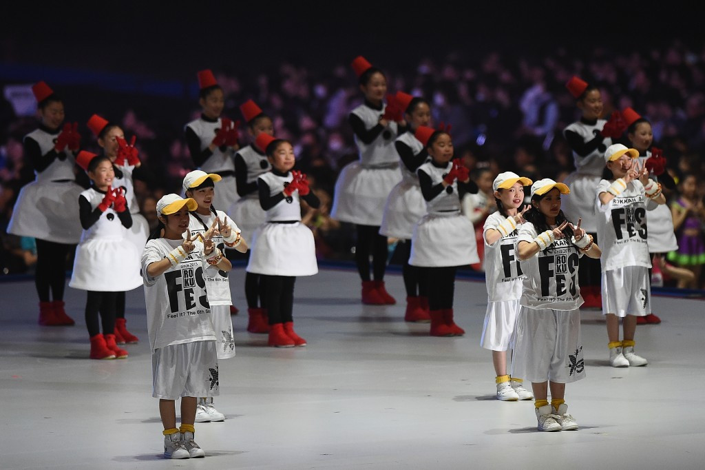 The vast space in the Sapporo Dome meant a large number of dancers were needed ©Getty Images