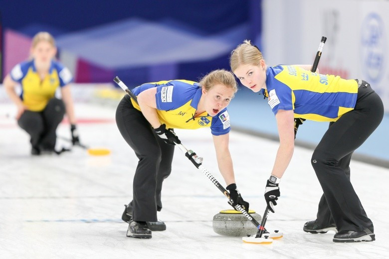 Sweden are one of three teams level at the top of the 2017 World Junior Curling Championships standings ©WCF