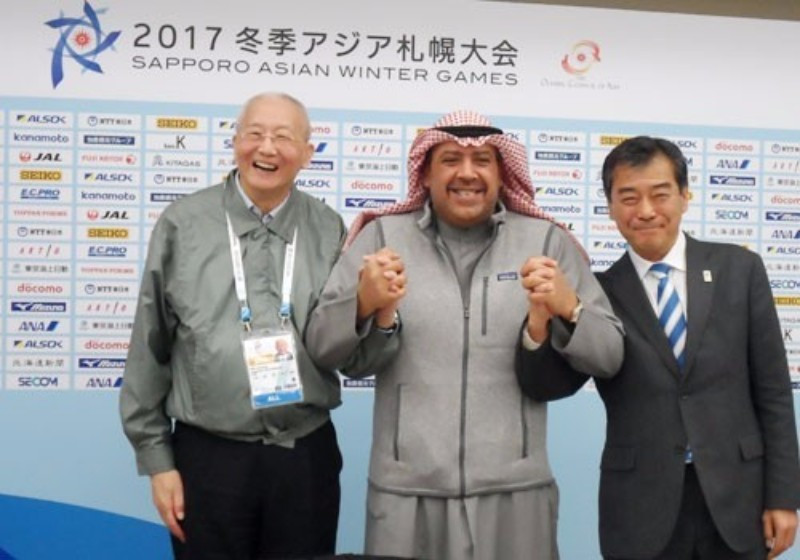 Olympic Council of Asia honorary life vice-president Wei Jizhong, left, and Sapporo 2017 director general Hiroshi Abe, right, spoke alongside Sheikh Ahmad in the Japanese city today ©Getty Images