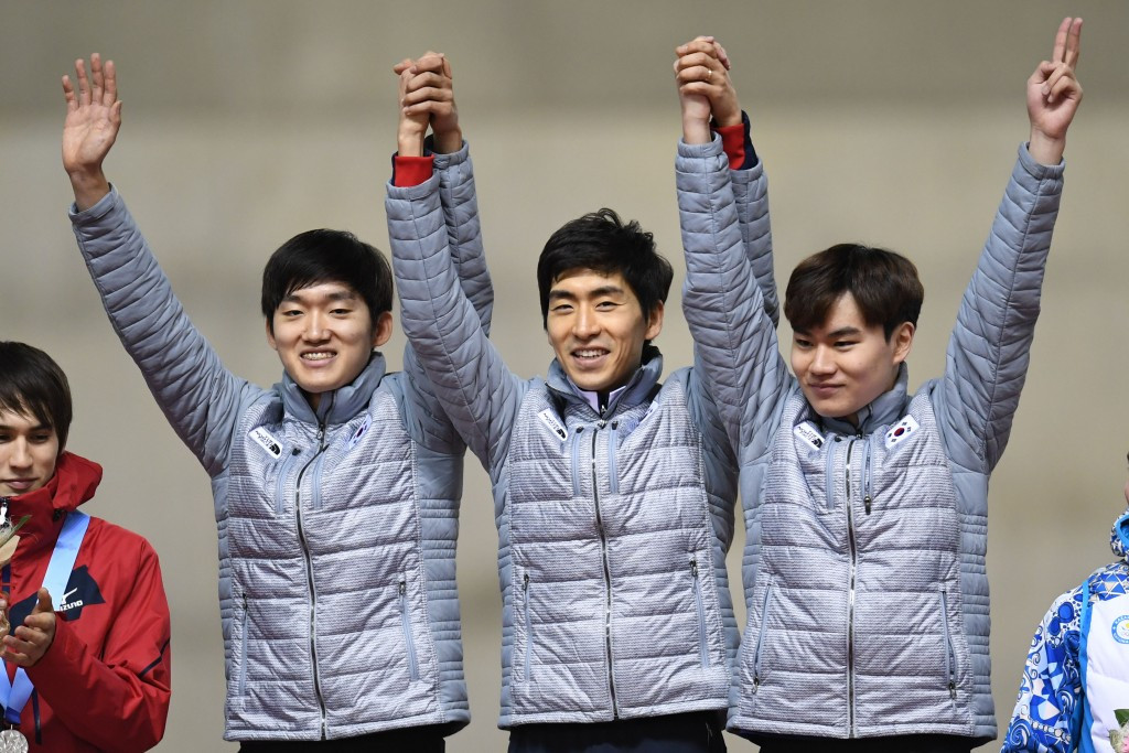 South Korea celebrate team pursuit speed skating gold ©Getty Images