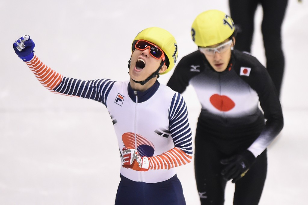 Sin Da-roon celebrates men's 1,000m short track gold ©Getty Images