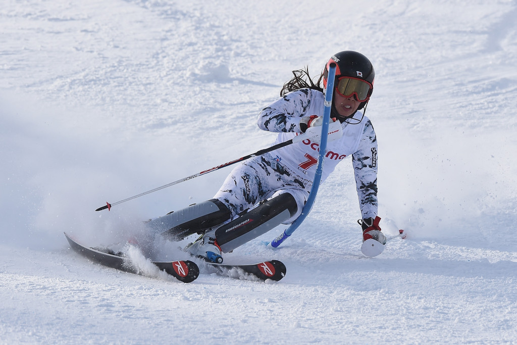 Hasegawa defies challenging conditions to clinch slalom gold in Sapporo