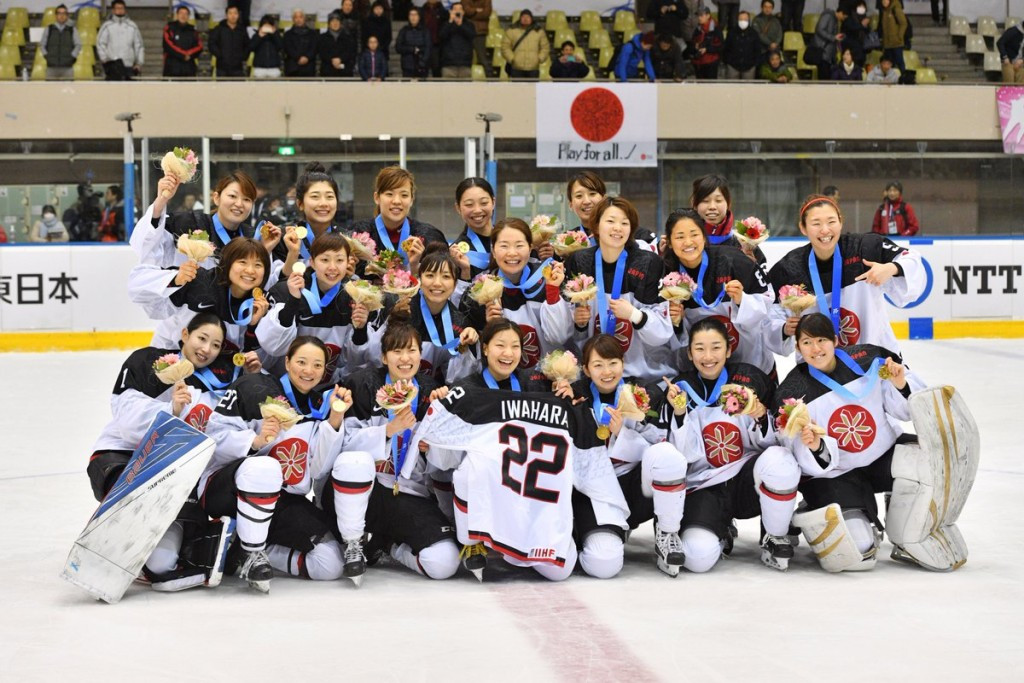 Hosts crush China to claim ice hockey gold in Sapporo
