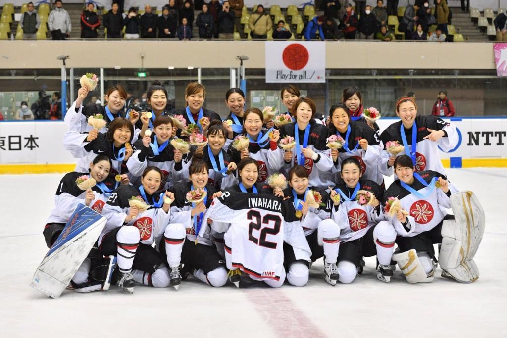 Hosts crush China to claim ice hockey gold in Sapporo