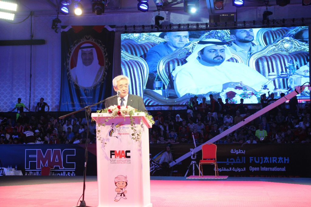 The donation is set to be invested in the Taekwondo Humanitarian Foundation's programmes for refugees ©WTF
